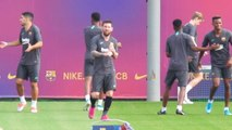 Messi gets ready for Barca return