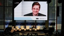 Former NSA contractor Edward Snowden 'would love to be granted asylum in France'