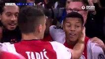 Ajax'lı futbolcuların gol sevinci de Şampiyonlar Ligi; hem tokat attı hem öptü