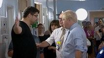 Boris Johnson ile bir hasta yakını arasındaki ilginç diyalog: Şov için buraya basınla geliyorsunuz