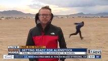 AREA 51 : Man Naruto runs behind reporter !