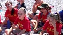 Antalya iklim krizine dikkat çekmek için sahile rüzgar gülü bıraktılar