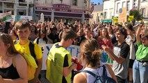 Plus de 300 jeunes marchent pour le climat