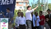İstanbul 26. Ağır Ceza Mahkemesi, eski HDP Eş Genel Başkanı Selahattin Demirtaş'ın 4 yıl 8 aylık hapis cezasından, cezaevinde kaldığı 25 aylık sürenin mahsubuna karar verdi