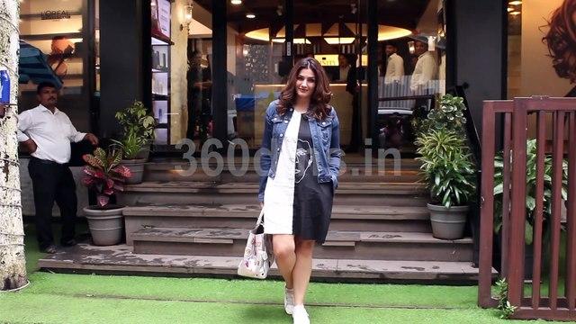 Nach Baliye Judge Raveena Tandon Spotted at Affinity Salon Juhu