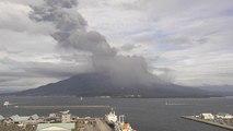 Video: Sakurajima yeniden lav püskürtmeye başladı