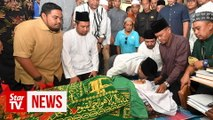 Tun M loss for words over Dr Md Farid's sudden passing