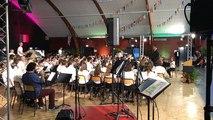 L'orchestre du jumelage interprète le thème de «Jurassic Park»