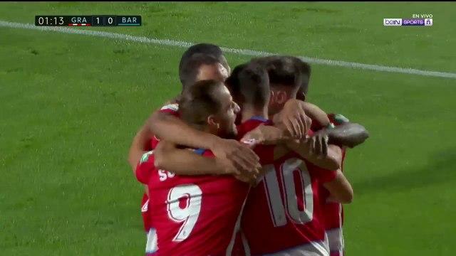 Gol de Azeez pone en ventaja al Granada sobre Barcelona