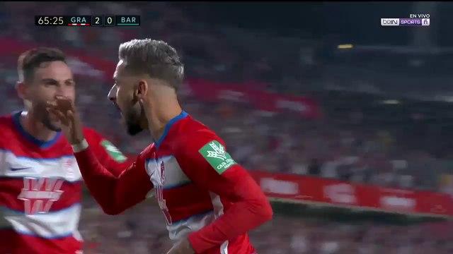 Gol de penalti de Vadillo para Granada sobre Barcelona