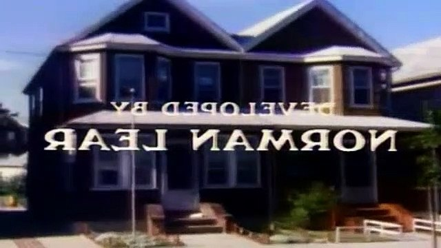 All In The Family Season 8 Episode 16 Super Bowl Sunday