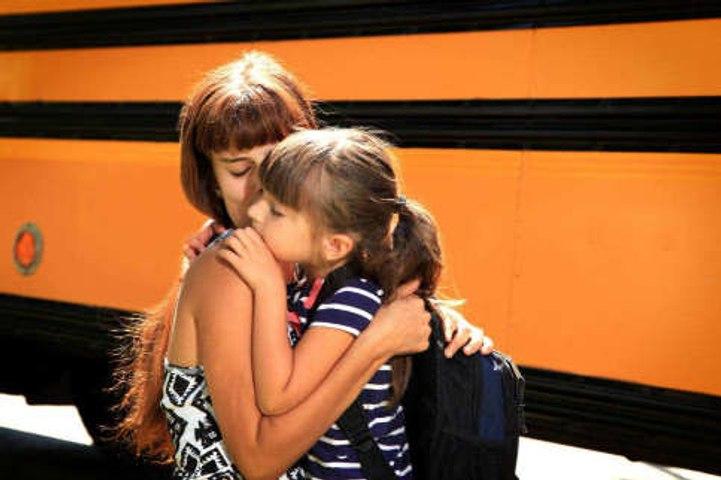 ¿Cómo tranquilizar a tu hijo el primer día de clases?