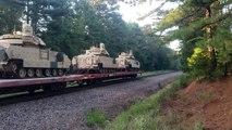 Des chars de combats oubliés sur les voies (Texas)