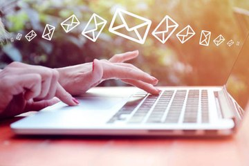 Work Emails: Putting Your Superior in Copy is Counterproductive
