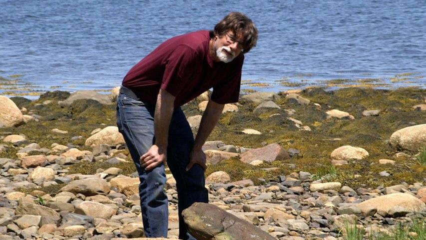 The Curse of Oak Island: Bonus: Man-Made Compass
