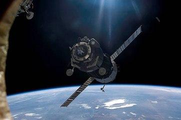 Les risques d'une hausse du nombre de satellites : faut-il un code de la route dans l'espace ?