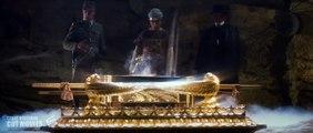 Indiana Jones Caçadores da Arca Perdida 1 (1981) Cena Ritual abrindo a  arca