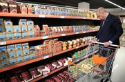 Erdoğan, Tarım Kredi Kooperatifi satış mağazasından alışveriş yaptı
