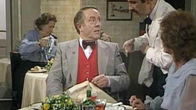 Fawlty Towers Season 2 Episode 3 - Waldorf Salad