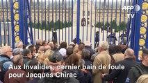 Aux Invalides, dernier bain de foule pour Chirac