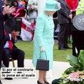 La reina Isabel II envía mensajes secretos con su bolso
