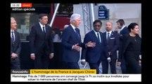 Hommage à Jacques Chirac: Regardez l'ex président américain Bill Clinton arriver sous les applaudissements à l'Eglise Saint-Sulpice
