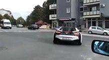 VÍDEO: Esto es lo que pasa cuando un BMW i8 tiene un accidente