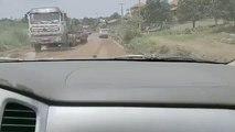 Sur la route de Guinée,  un véhicule en surpoids se renverse