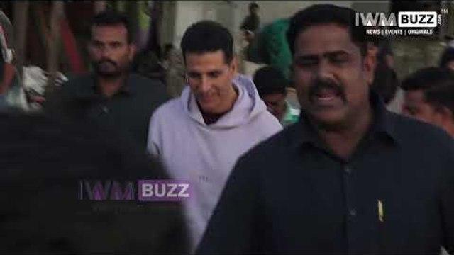 Superstar Akshay Kumar spotted at Versova Jetty