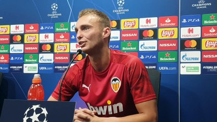 Jasper Cillessen analiza el Valencia CF-Ajax