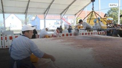 Cocinan un escalope de una tonelada y baten un récord mundial