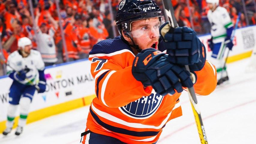 Connor McDavid speeds down to pot go-ahead goal