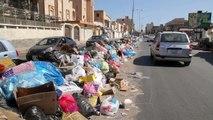 العاصمة الليبية تتحول الى مكب نفايات مع استمرار المعارك عند أطرافها