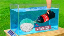 Experiment Giant Mentos Balloon Put in Coca Cola Underwater