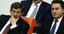 Parti kuracaklarını açıklayan Ali Babacan ve Ahmet Davutoğlu cenazede buluştu