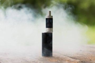 CEO de JUUL advierte daños del uso de sus cigarros electrónicos