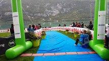 Triathlon au lac d'Aiguebelette : l'arrivée du vainqueur Théo Dupras