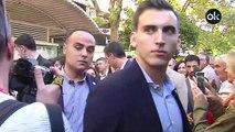 Sánchez rodeado de una decena de guardaespaldas en un paseo por Córdoba