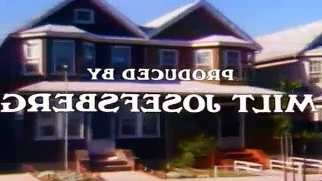 All In The Family Season 9 Episode 25 The Family Next Door