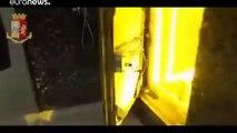 شاهد: الشرطة الإيطالية تكتشف أحواضا مزروعة بالماريجوانا خلف باب حمام