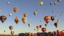 Des centaines de montgolfières se sont envolées dans le ciel d'Albuquerque, au Nouveau-Mexique
