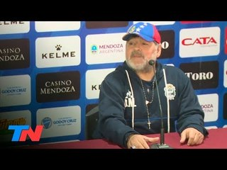 """""""Vamos a brindar"""": Maradona, después del triunfo del Lobo"""
