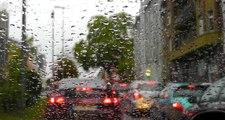 İstanbul'da beklenen yağış başladı, trafik durma noktasına geldi!