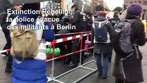 La police évacue les militants d'Extinction Rebellion d'un croisement de Berlin
