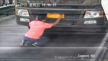 Chinese driver perfectly handwrites licence plate to avoid surveillance cameras