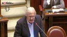 Taglio parlamentari, Sgarbi durissimo: il M5s ha stuprato il parlamento | Notizie.it | Notizie.it