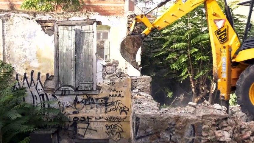 Κατεδάφιση παλιών κτισμάτων στη Λαμία