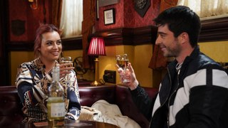 EastEnders Soap Scoop! Leo manipulates Whitney