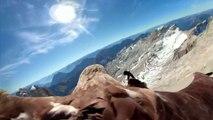 Un aigle survole les Alpes : des images spectaculaires pour alerter sur la fonte des glaces