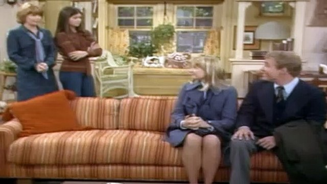 One Day at a Time Season 2 Episode 13 J.C. and Julie Pt1